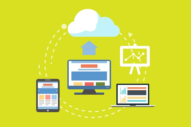 La diferencia principal entre el Cloud Hosting y el hosting tradicional, es la forma de almacenamiento de ambos servicios