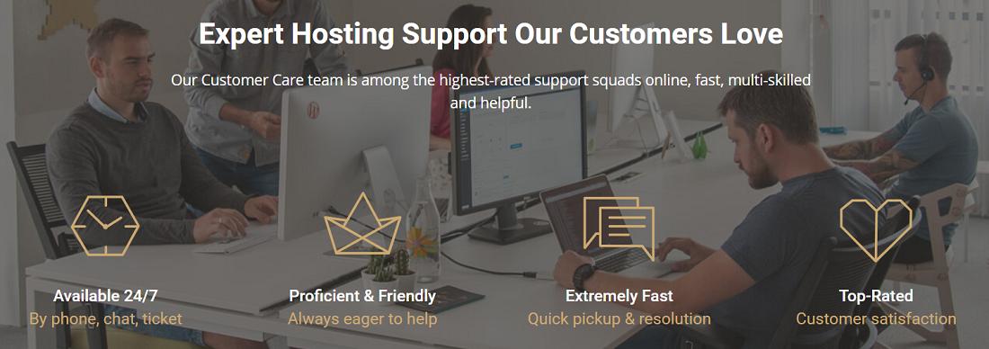 Brinda un amplio soporte técnico 24/7/365 por medio de teléfono, email o Chat y ofrece un excelente cPanel